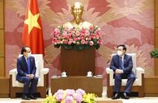 Le président de l'Assemblée nationale reçoit l'ambassadeur du Cambodge
