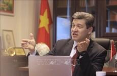 Un professeur russe apprécie la pensée Ho Chi Minh dans la nouvelle ère