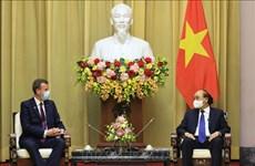 Le président Nguyen Xuan Phuc reçoit le ministre australien du Commerce, du Tourisme et de l'Investissement