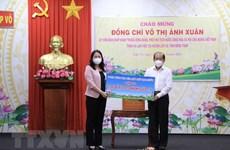 Coronavirus : la vice-présidente Vo Thi Anh Xuân remet des dons à Dông Thap