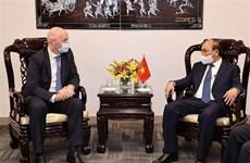 Le chef de l'État vietnamien reçoit le président de la FIFA à New York