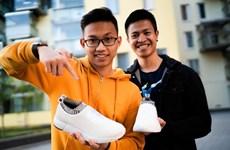 Deux staruppers vietnamiens en Finlande trouvent chaussure à leur pied