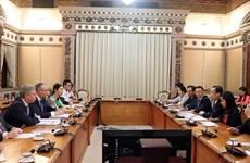 Hô Chi Minh-Ville promet de favoriser les investisseurs britanniques