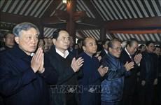 Le Premier ministre rend hommage au Président Hô Chi Minh
