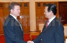 Le PM reçoit le sénateur américain Jim Webb