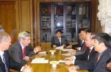 Vietnam-Russie: intensifier les relations entre les PC