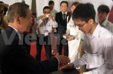 Bourses Kumho Asiana à des étudiants vietnamiens