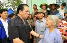 Le leader du PCV en tournée à Phu Yen