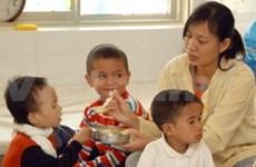 Sida: le Vietnam lutte contre la transmission de la mère à l'enfant