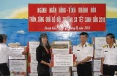 Cadeaux pour les soldats de l'archipel de Truong Sa