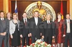 Entretien des présidents parlementaires Vietnam-Finlande