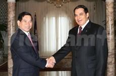 Nguyen Minh Triet en Tunisie pour booster les liens