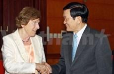 Truong Tân Sang reçoit la présidente de la FES