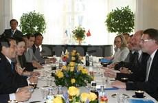Nguyên Minh Triêt s'entretient avec le PM finlandais