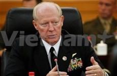 De hauts officiers américains en visite au Vietnam