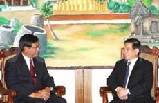 Nguyen Minh Triet rencontre des dirigeants laotiens