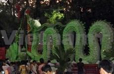 Inauguration de deux statues de dragon record