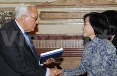 La France prend en haute estime ses relations avec le Vietnam
