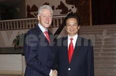 Le Vietnam apprécie l'aide de la Fondation Bill Clinton