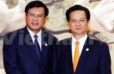 Le PM Nguyen Tan Dung rencontre son homologue laotien
