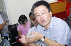 France: Ngo Bao Chau rencontre des jeunes vietnamiens