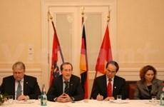 Le vice-PM Nguyen Thien Nhan en visite en Allemagne