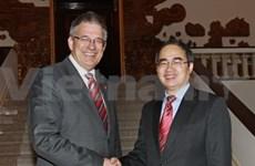 Nguyen Thien Nhan reçoit une délégation parlementaire allemande