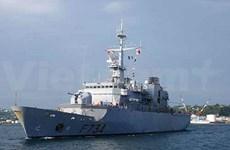 Escale d'une frégate de la Marine française à Hai Phong