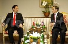 Nguyên Tân Dung rencontre les PM laotien et thaïlandais