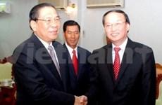 Le leader du PPRL reçoit des communistes vietnamiens