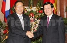 Entrevue entre des dirigeants vietnamiens et Choummaly Sayasone