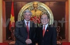 Nguyen Sinh Hung reçoit le vice-président de la Douma