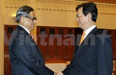 Nguyên Tân Dung reçoit le ministre indien des AE