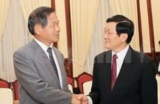 Le président du Vietnam reçoit le président de la Chambre de Commerce et d'Industrie d'Osaka