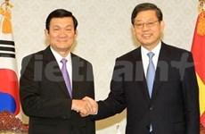 Truong Tan Sang rencontre des dirigeants sud-coréens