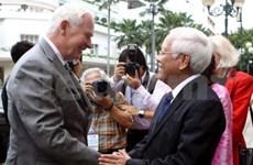 Le gouverneur général du Canada en visite à HCM-Ville