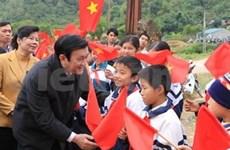 Le président Truong Tan Sang en tournée à Cao Bang