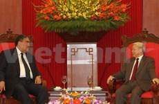 Nguyen Phu Trong reçoit le secrétaire général du MIU