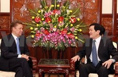 Truong Tân Sang reçoit le chef du groupe Gazprom