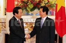 Entretien entre les PM vietnamien et japonais