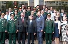 Le président se rend au Centre tropical Vietnam-Russie