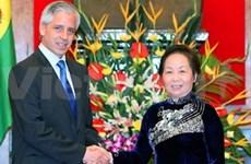 Entretien des vice-présidents vietnamien et bolivien