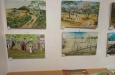 Exposition de peintures des enfants de la rue de HCM-Ville en France