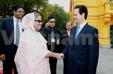 Entretien entre les PM vietnamien et bangladais