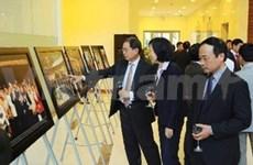 Photographie: exposition sur les relations Vietnam-R. de Corée