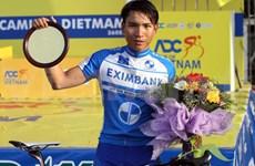 Dans la roue du coureur Mai Nguyên Hung