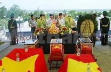 Quang Tri : inhumation des restes de soldats tombés au Laos