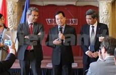 Des entreprises militaires explorent la France