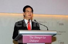 Le PM Nguyên Tân Dung quitte Hanoi pour Singapour