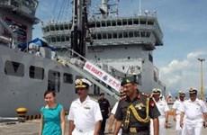 Trois navires de la Marine indienne à Dà Nang